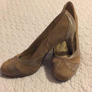 NWOT Size 6.5M Naturalizer Heels 👠